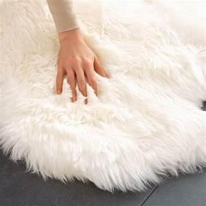 Schaffell Teppich Groß : lammfell teppich 160 x 100 cm gross und sogar maschinenwaschbar ~ Markanthonyermac.com Haus und Dekorationen