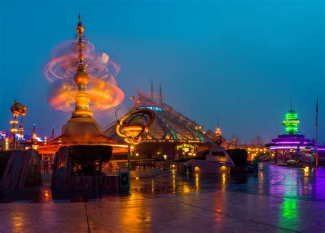 Disneyland Paris - Theme Park in Paris - Thousand Wonders
