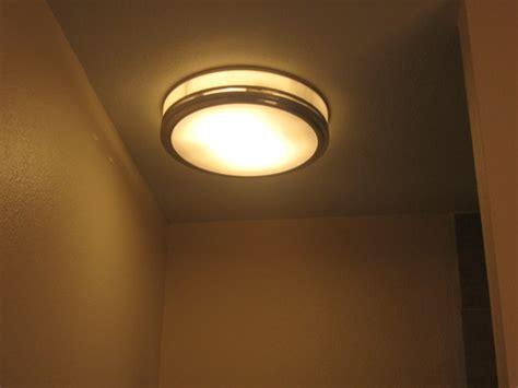 hunter riazzi bath fan hunter 83001 riazzi bathroom fan with light and nightlight