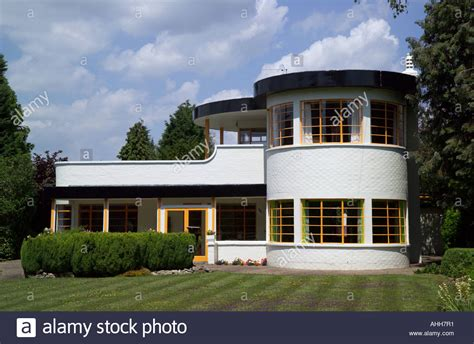 Art Deco Home Style : The Sun House In Cambridge Uk. A Grade Listed Home In