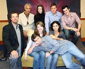 File:Firefly cast 2005 flanvention 1.jpg - Wikimedia Commons