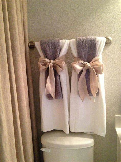 Decorating Ideas For The Bathroom by Best 25 Bathroom Towel Display Ideas On Towel
