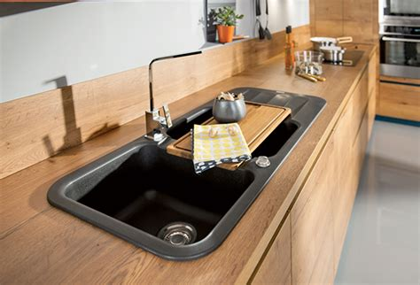 cr馥r un plan de travail cuisine comment poser une credence de cuisine maison design bahbe com