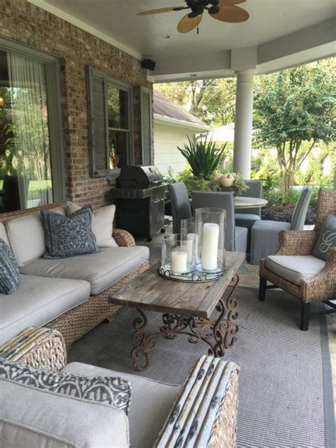 Porch And Patio Furniture by Best 25 Screened Porch Furniture Ideas On
