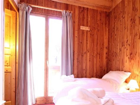 chalet tania la tania ski chalet for catered chalet skiing holidays snowboard and summer