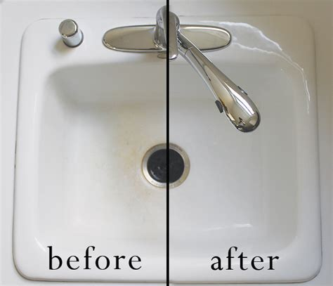 how to clean a white porcelain kitchen sink how to clean a kitchen sink in 3 minutes a clean bee 9704
