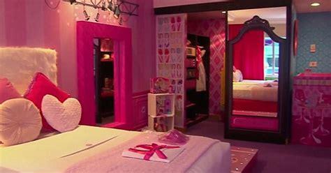 sleep   toys top  toynerd themed hotels youll