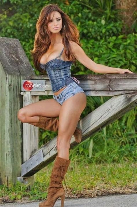Am I fucked up for wanting my girlfriend to wear cowgirl boots every time during sex? - GirlsAskGuys