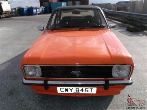 ford escort mk  ghia orange