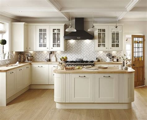Antique Kitchen Ideas by This Antique White Kitchen Offers A Timeless Look