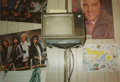 teenagers   bedroom walls flashbak