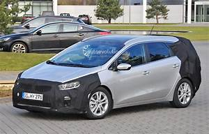 Kia Cee D : spyshots 2016 kia cee 39 d sportswagon getting twin clutch gearbox and turbo engines autoevolution ~ Medecine-chirurgie-esthetiques.com Avis de Voitures