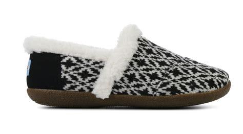 toms house slipper pantoffels zwart  kopen van den assem schoenen