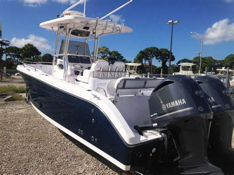 Used Center Console Boats For Sale by 2014 Used Century 2600 Center Console Center Console