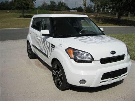 Buy Used 2011 Kia Soul Special/limited Edition White Tiger