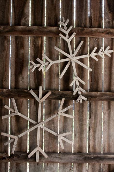 giant wood snowflakes   etsy projects pinterest
