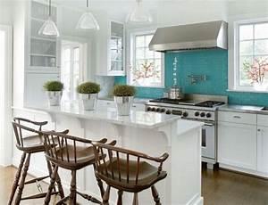 Turquoise blue glass tile backsplash design ideas for Turquoise tile backsplash
