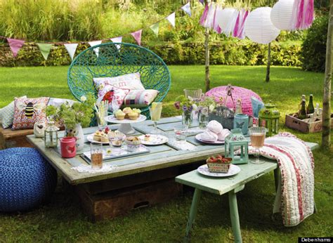 Easy Ways To Get Your Garden And Dining Room Ready For A Party
