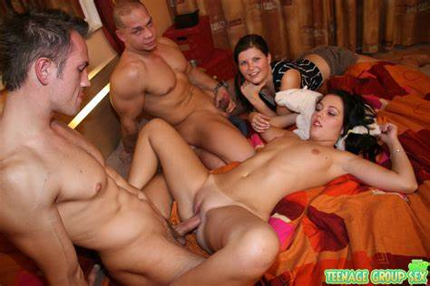 Sloppy Italian Mom Group Juicy Sister Ass Gives Penetration And Bukkake At Groupsex