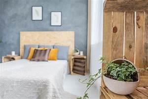 Pflanzen Im Schlafzimmer : efeu im schlafzimmer so wirkt die kletterpflanze ~ Indierocktalk.com Haus und Dekorationen