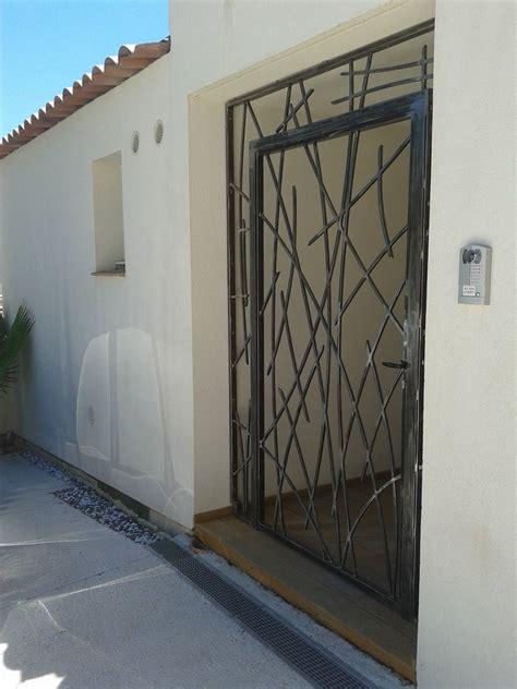 cuisine crã ation porte grille en fer forgã sur mesure modã le porte fer forgé moderne porte moderne en fer forge exposition porte