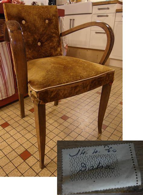 refection d un fauteuil bridge table de lit