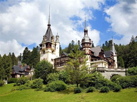 Top 20 Famous Castles And Palaces In The World Most