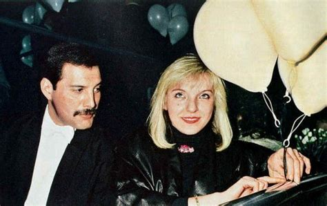 Mar 08, 2021 · freddie mercury's girlfriend mary austin celebrates her 70th birthday this weekend but does she still live in the queen star's house? 9b. Mary Austin в 2020 г   Фредди меркьюри, Королева, Портрет