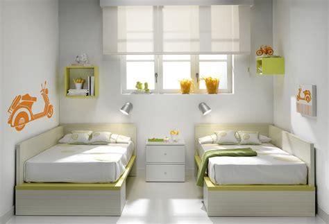 chambre de bébé jumeaux lit evolutif jumeaux lit convertible lit chambre