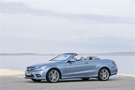 mercedes  class convertible officially revealed