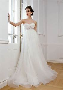 Guide to buying wedding dresses for pregnant women real for Wedding dresses for pregnant women