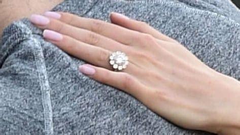 foto de Nikki Reed Reveals Her Stunning Engagement Ring