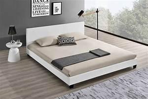 Lit 140 Blanc : lit contemporain blanc hypnia lit lattes design ~ Teatrodelosmanantiales.com Idées de Décoration