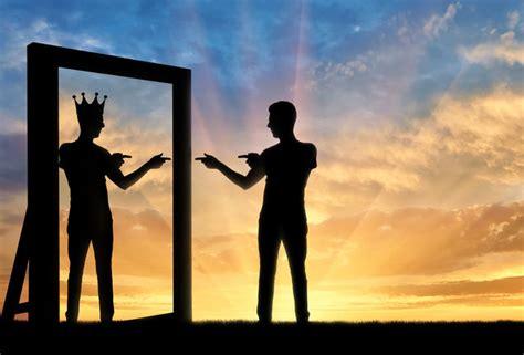 main   narcissism   destructive impact
