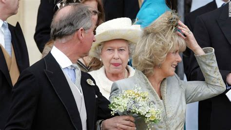 Perché La Regina Elisabetta Ii Veste Sempre Quei Colori