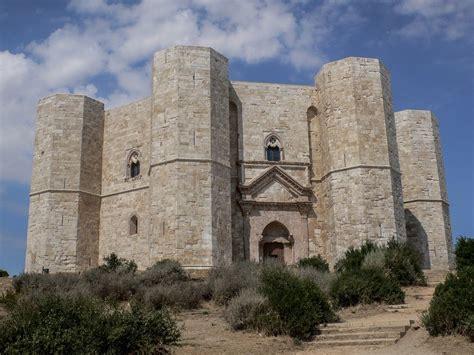 Castel Monte Interno by Castel Monte La Fortezza Dei Misteri Siti Unesco