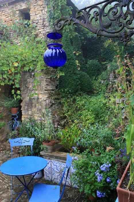 Bunte Gartendeko Fuer Bunte Gartengestaltung by Gartendeko In Blau F 252 R Bunte Gartengestaltung Mit