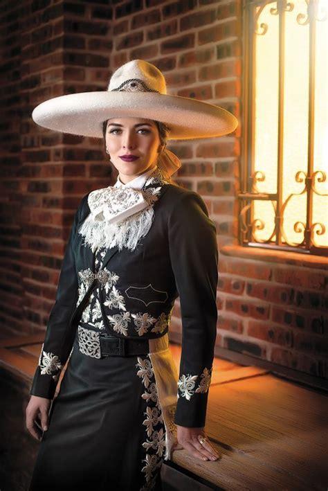 mujer vestida de mariachi nosotras pinterest mexico