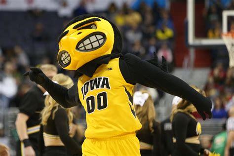official   iowa hawkeyes basketball schedule bt