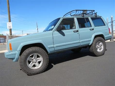 purchase used 2001 jeep sport 4x4 lifted custom built and paint runs great xj 4 0 6cl