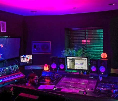 sleazeburger  paradise neon room home studio