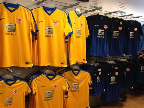Eintracht Braunschweig 16-17 Kits Revealed - Footy Headlines