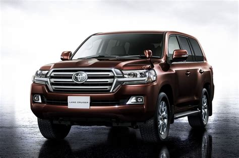 toyota land cruiser review release date redesign