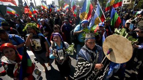 chile mapuche demonstrieren  spanischen
