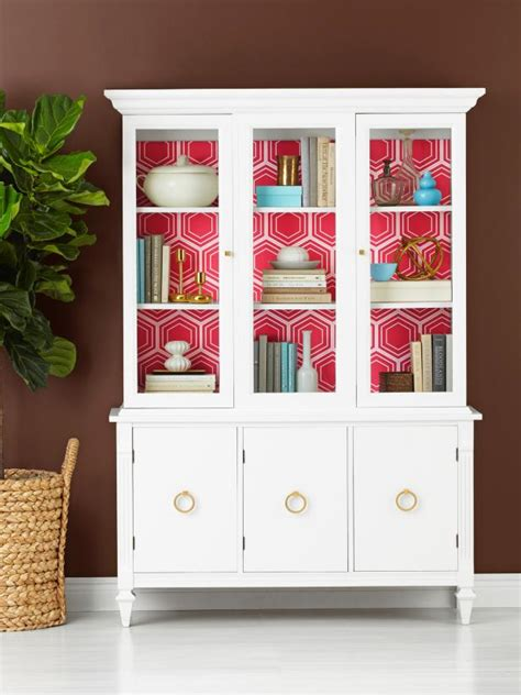 wallpaper     china cabinet hgtv