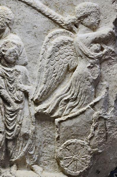 Ecus Sedi Immagini E Simboli Dei Secoli Augustei Messaggi Da