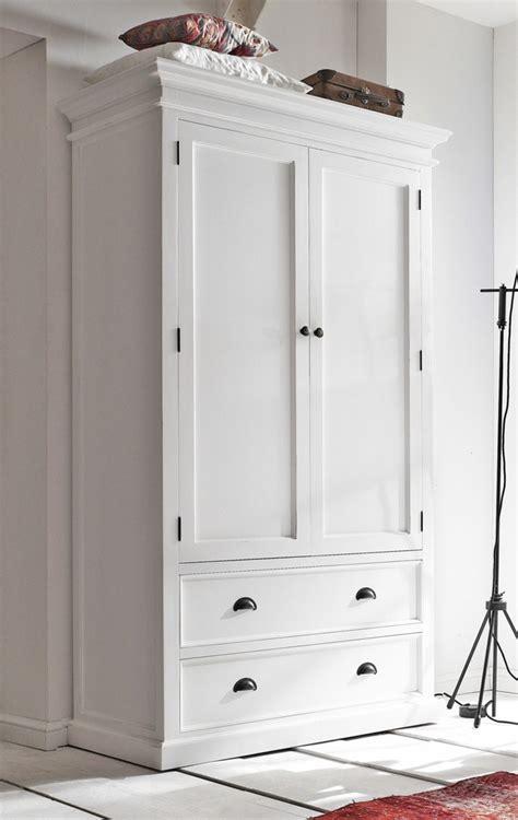 Weiße Wände Aufpeppen by Wei 223 Er Kleiderschrank Sorgt F 252 R Eine Raffinierte