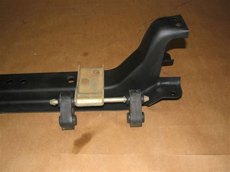 1999 Ford Ranger Auto 4.0 Crossmember Chassis OEM