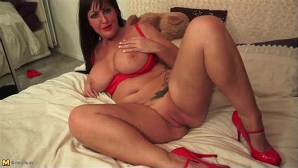 #Chubby #Milf #Brunette #In #Sexy #Red #Lipstick