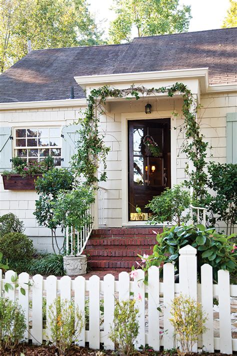 picture perfect spring cottage  cottage journal
